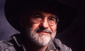 The Pratchett Review: Looking Back On 40 Books Of Discworld