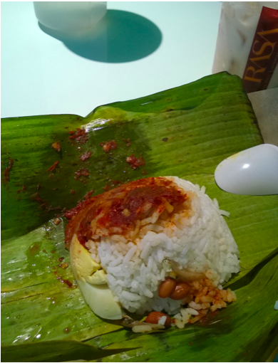 Snack-sized nasi lemak!