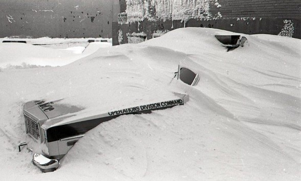 The devastating effects of Winter Storm Juno.[Image credits: BostInno]